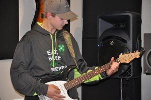 electric guitar lessons in airdrie ab
